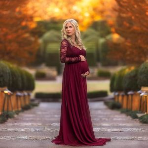 Longsleeve rose red maternity gown photoshoot